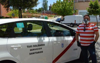 Trayectos gratuitos para los 'héroes sanitarios': así es el taxi solidario de Manuel Pérez