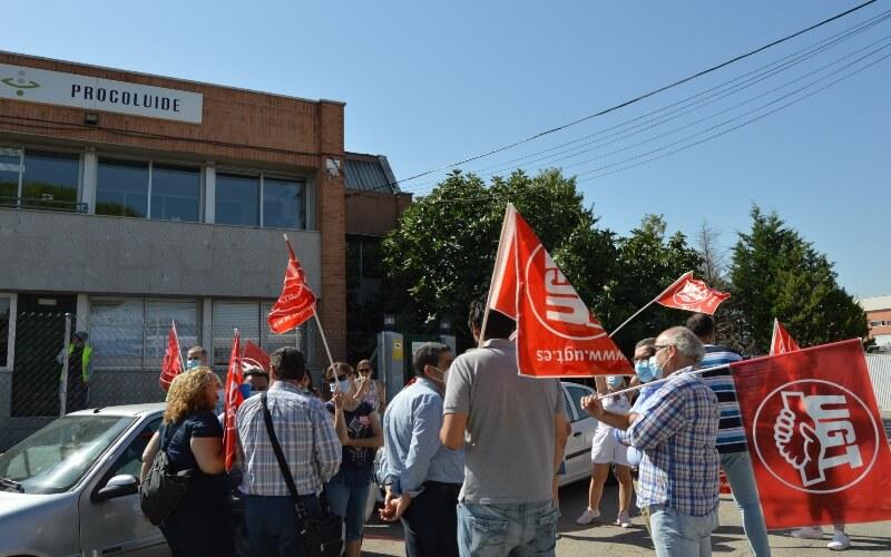 Los trabajadores de Procoluide protestan contra el cierre de la planta de Arganda
