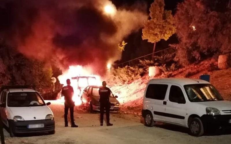Guardia Civil y Policía Local investigan la quema de coches en la vía pública de los últimos días