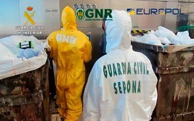 La Guardia Civil interviene en una empresa que gestionaba irregularmente residuos Covid desde un almacén de Arganda