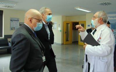 El consejero de Sanidad visita el Hospital de Arganda para conocer sobre el terreno el proyecto de ampliación del centro