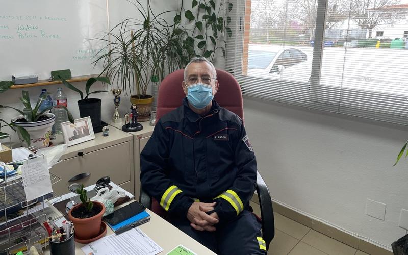 """Fernando Antón, jefe del parque de Bomberos de Arganda: """"La experiencia te hace ganar eficiencia"""""""