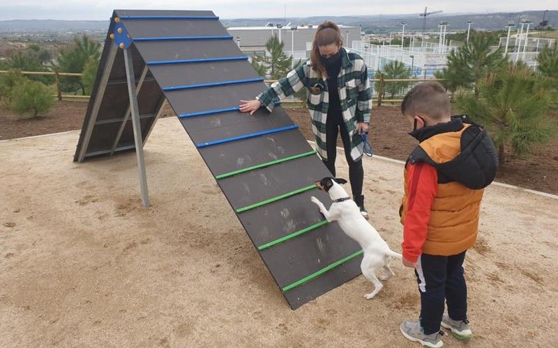 Abiertas desde hoy las áreas de esparcimiento canino de La Perlita y La Poveda de Arganda