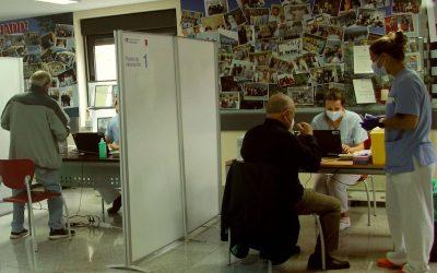 El Hospital del Sureste comienza a vacunar a población general de 68 a 74 años