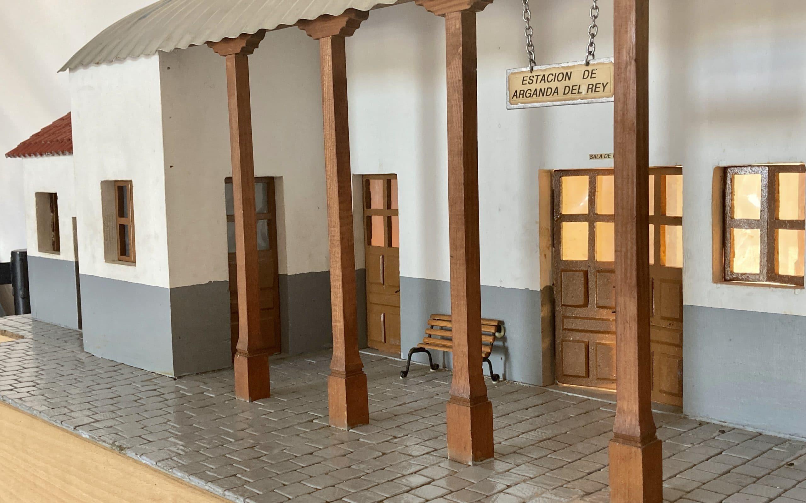 Maqueta de la estación de Arganda del Rey realizada por la Peña Taurina