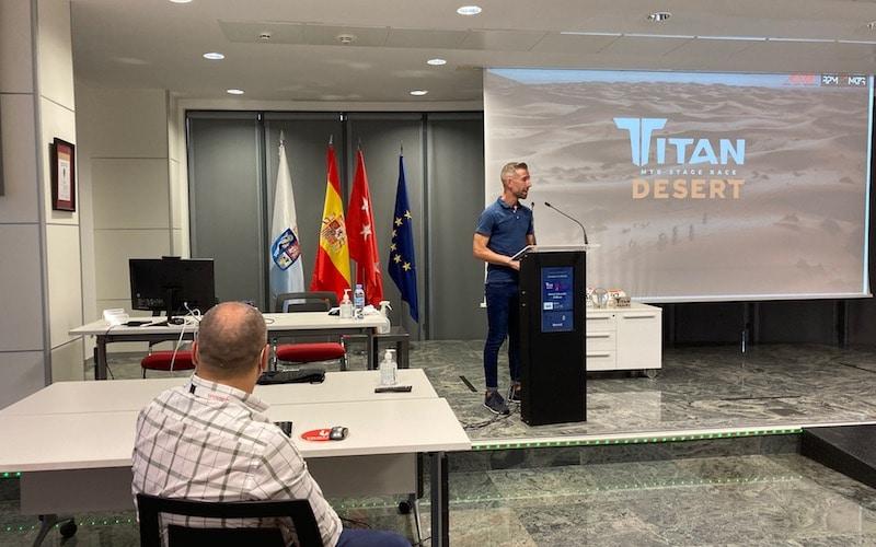 Damián Aragón, de la asociación Caminando con Aitana y padre de la mejor, durante la presentación de la Titan Desert 2021 en Arganda del Rey, este miércoles