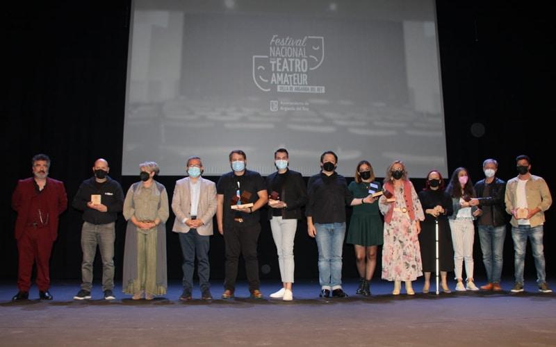 Premiados de la primera edición del Festival de Teatro Amateur 'Villa de Arganda del Rey' (foto: Ayuntamiento de Arganda)